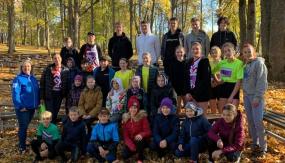 Aizvadītas Skolēnu sporta rudens krosa stafetes