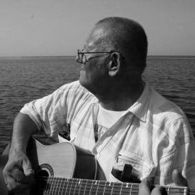 Aizsaulē devies mūziķis Gunārs Meijers